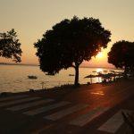 Strand in der Abendsonne nahe des Hotels Marina in Crikvenica