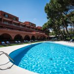 blick auf den outdoor pool des hotels intur bonaire benicasim