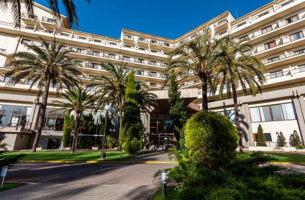 einfahrt zum hotel intur bonaire in benicassim