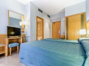 zimmer mit zwei betten im hotel del mar in barcelona