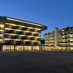 trainingslager fussball spanien hotel don angel 4 sterne aussenansicht abends